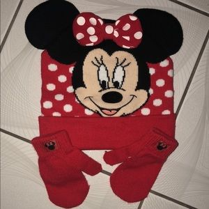 Minnie beanie and gloves for toddler